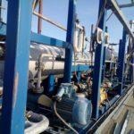 Перевозка мини нефтеперерабатывающего завода. Крупный план